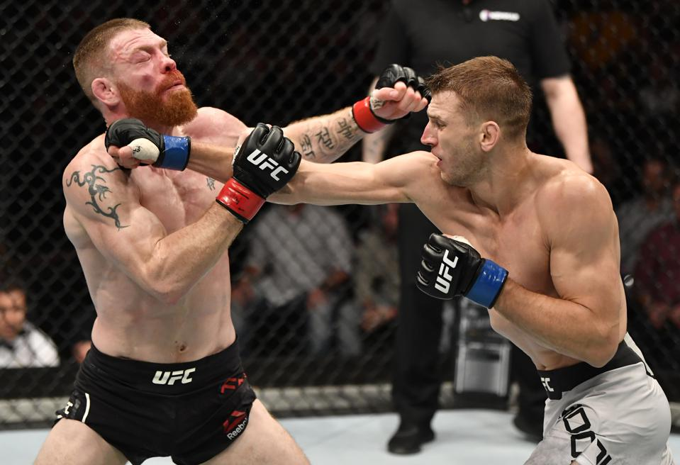 Dan Hooker defeated Paul Felder in the main event of last night's UFC Fight Night 168