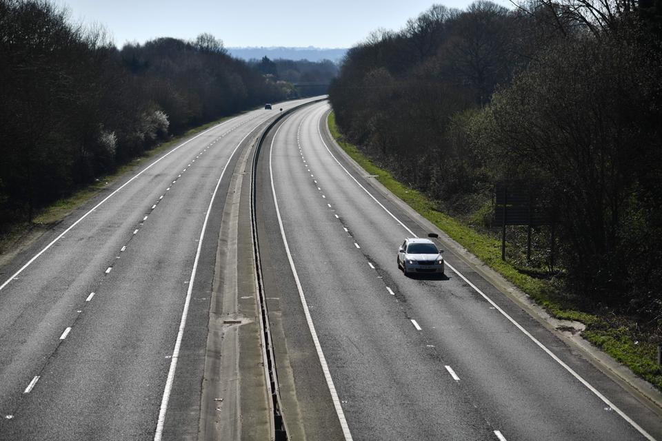 BRITAIN-HEALTH-coronavirus-less-cars-clean-air-less-air-pollution-worldwide