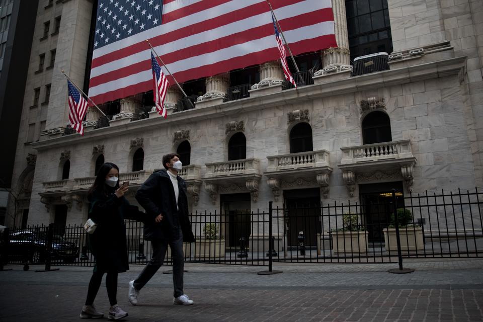 Xinhua Headlines: Spreading COVID-19 disrupts Americans' life, triggering economic downturn