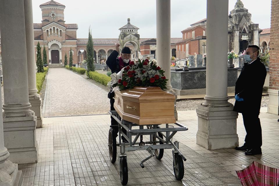 Italy Extends Coronavirus Lockdown As Death Toll Rises