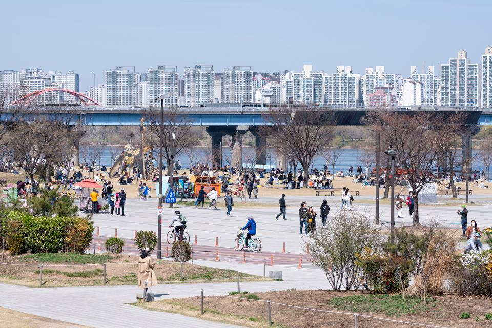 People are seen at Yeouido Hangang Park. Residents in South...