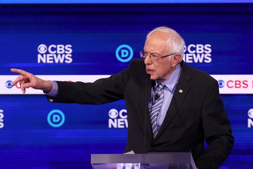 'Obama Said It': Sanders Defends Comments Praising Cuban Literacy Program