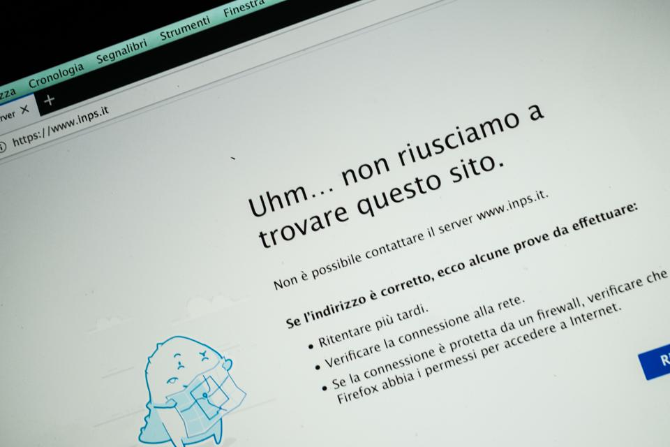Web browser screen showing error message, in Italian, as the INPS site was shutdown by hackers