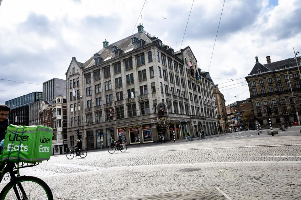 Coronavirus precautions in Amsterdam