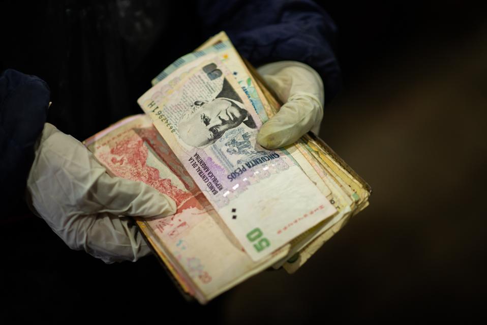 Inflation And Coronavirus Suffocate The Argentine Economy