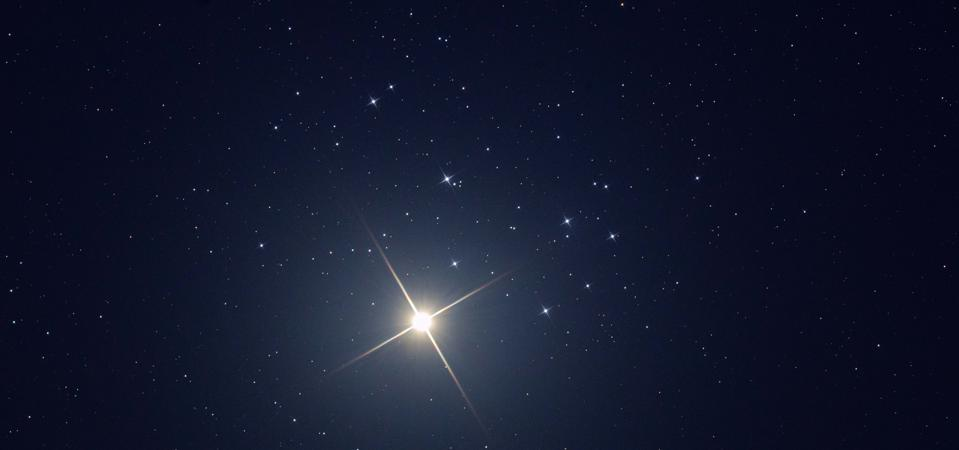 Venus embraces the Pleiades on April 3, 2020. Something similar will happen to Mars in 2021.