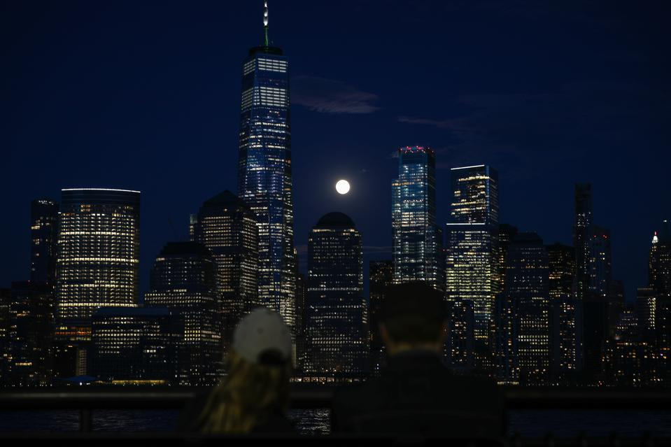 Super Pink Moon in New York City