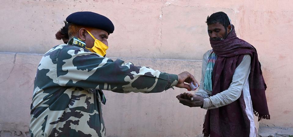 INDIA-KASHMIR-HEALTH-VIRUS