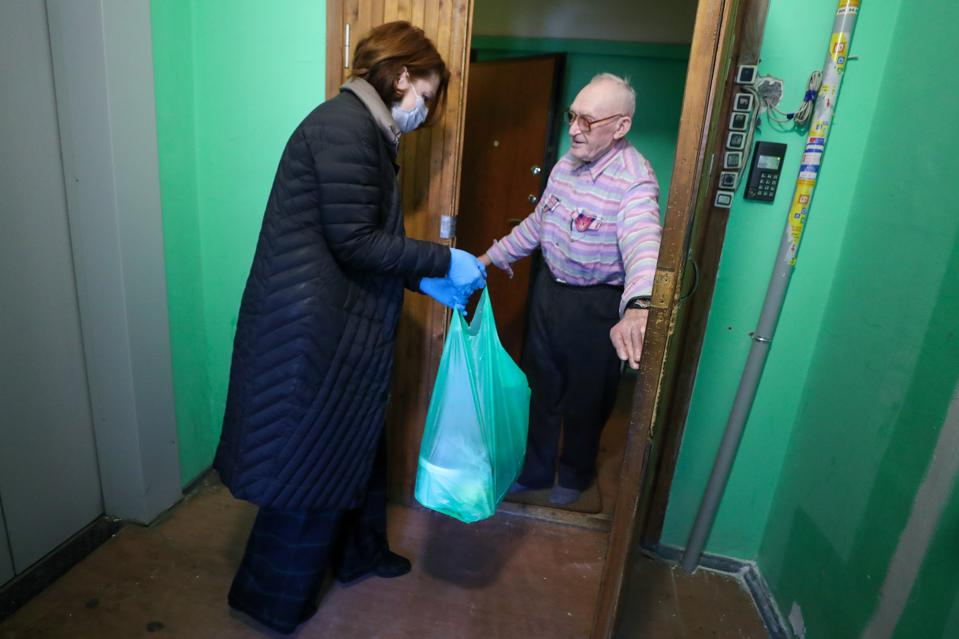 DobroDomik Charity Fund launches delivery of free groceries to solitary elderly people in St Petersburg