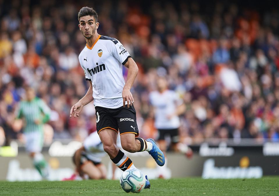 FC Barcelona Plan Swoop For Highly Rated Valencia Midfielder ...