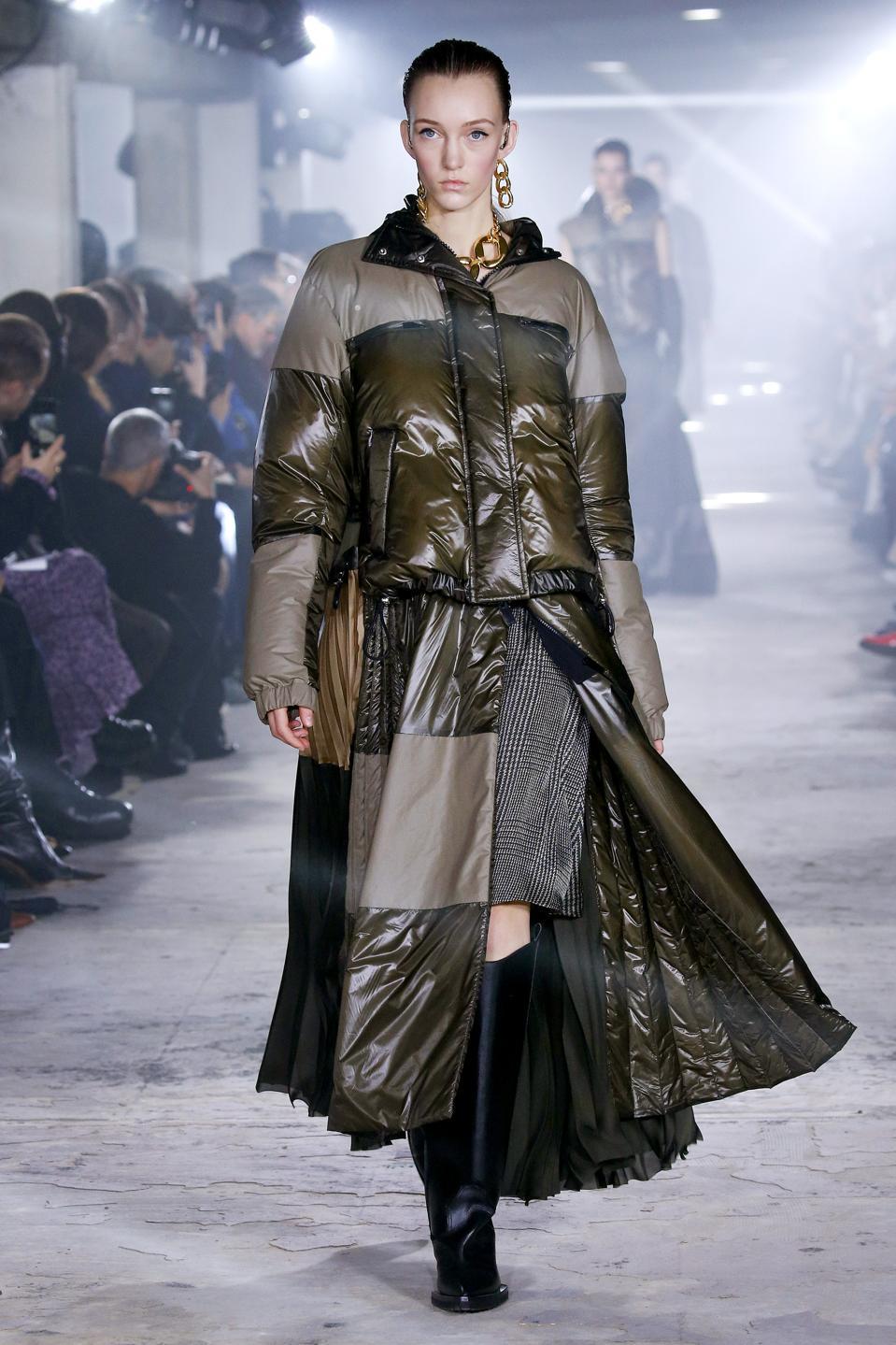 Sacai: Runway - Paris Fashion Week Womenswear Fall/Winter 2020/2021