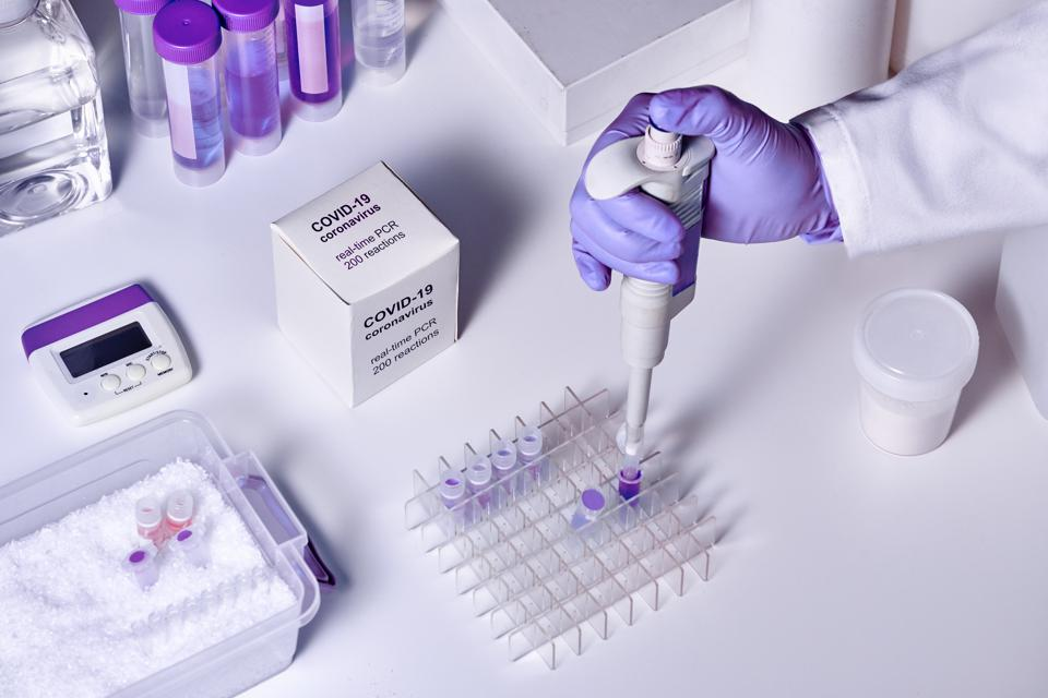 Novel coronavirus 2019 nCoV RT-PCR diagnostics kit. Reagents, primers and control samples to detect presence of 2019-nCoV or covid19 virus. In vitro diagnostic test based on real-time PCR method.