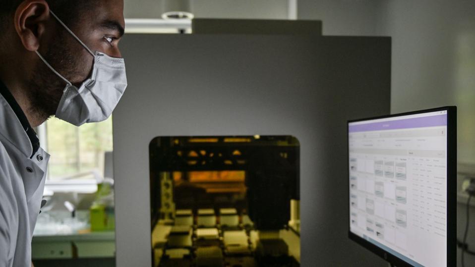 FRANCE-HEALTH-VIRUS-SCIENCE-BIOLOGY-TEST