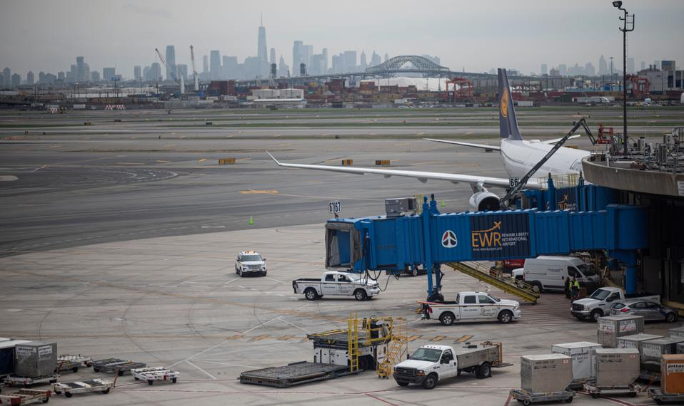Newark Airport Embodies New Reality As Airlines Move To June Schedules