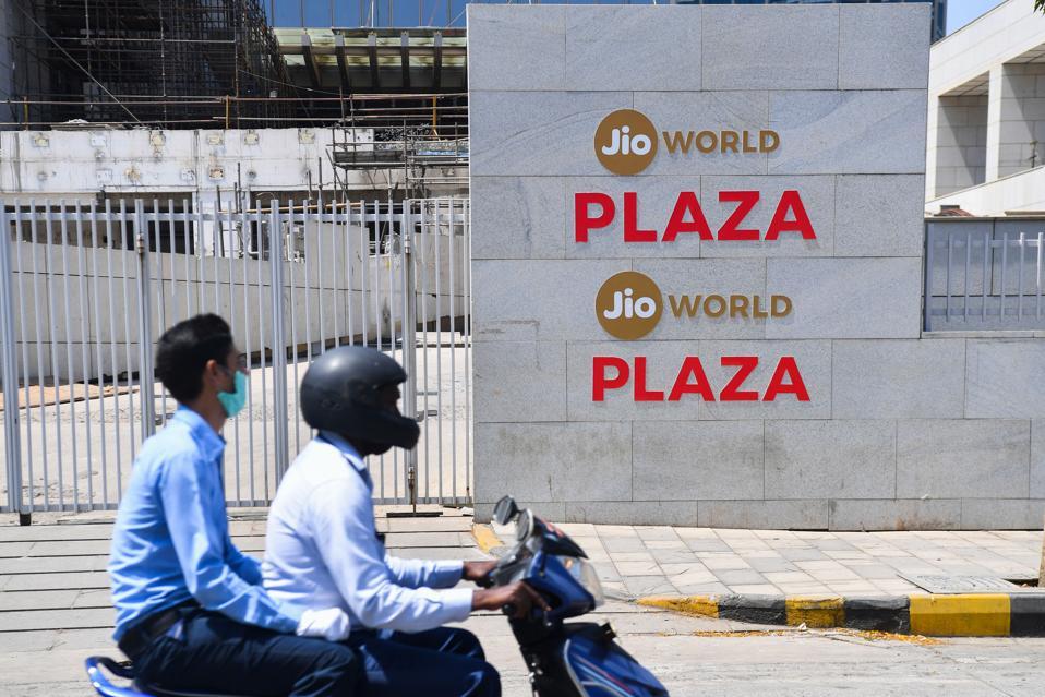 INDIA-US-IT-FACEBOOK-JIO