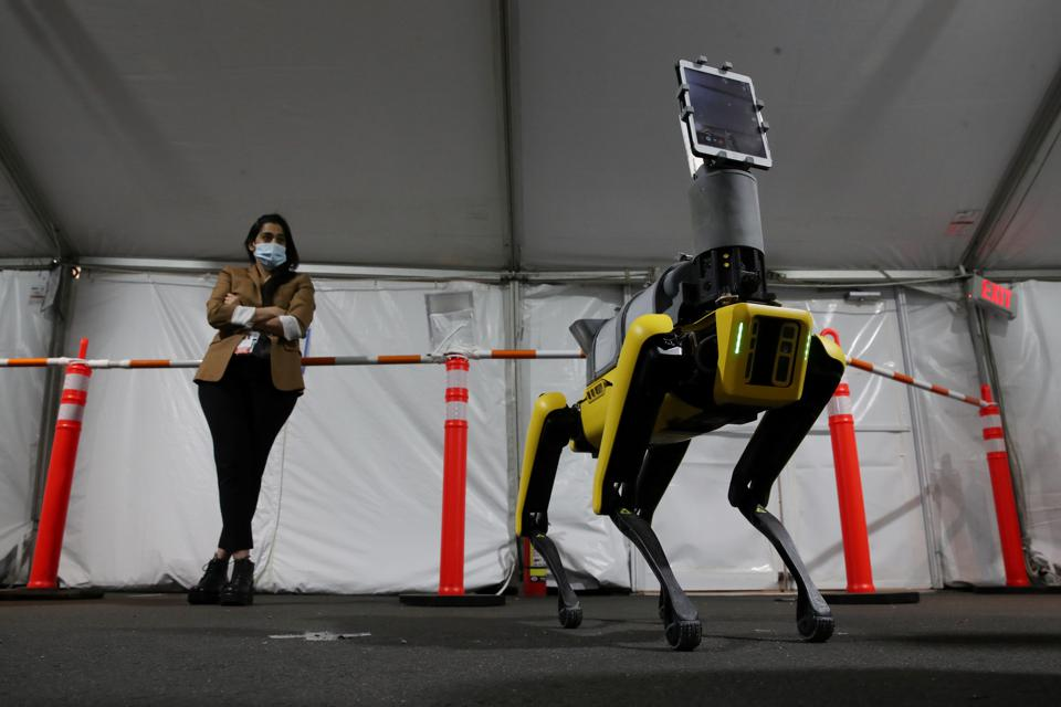 Boston Dynamics Robot In Use To Help COVID-19 Patients