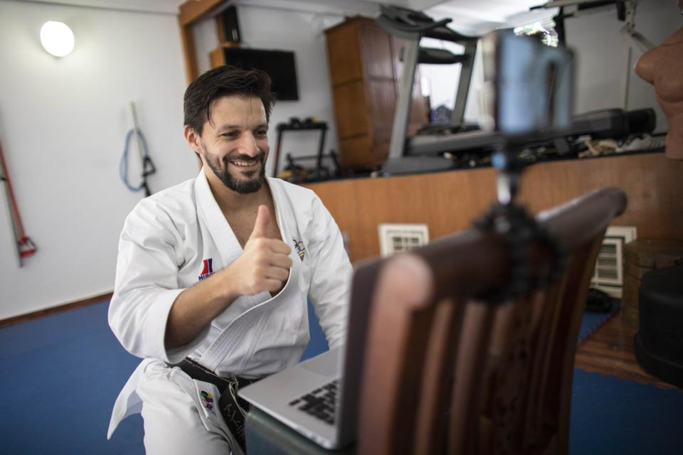 Karate World Champion Teaches Online From His Dojo in Caracas