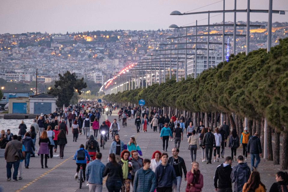 Seafront Thessaloniki Lifting Lockdown tourism recovery europe borders open