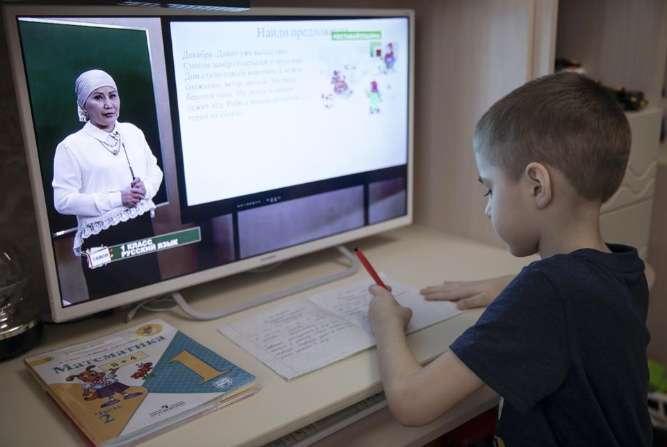 Teleshkola remote schooling project on Chechen television amid COVID-19 pandemic