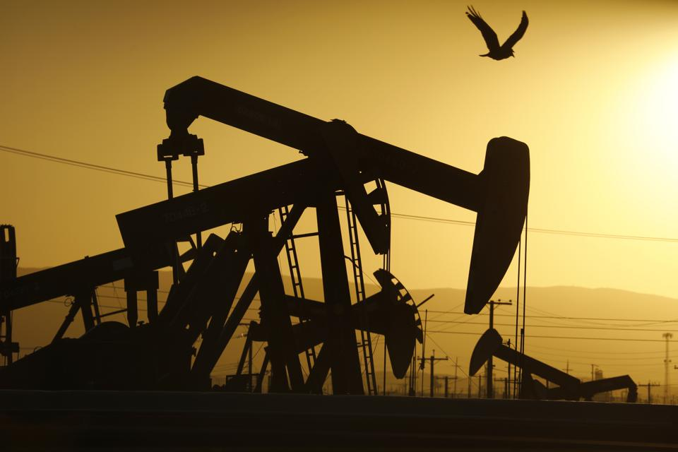 Taft, California, oil fields  April 29, 2020 coronavirus Los Angeles Times photographer Carolyn Cole