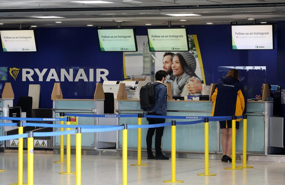 Airlines passengers UK refunds cancelled flights easyjet ryanair British Airways