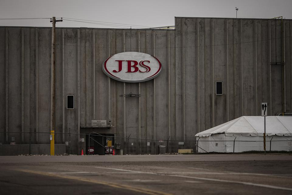 JBS Meatpacking plant employee recovers from Coronavirus