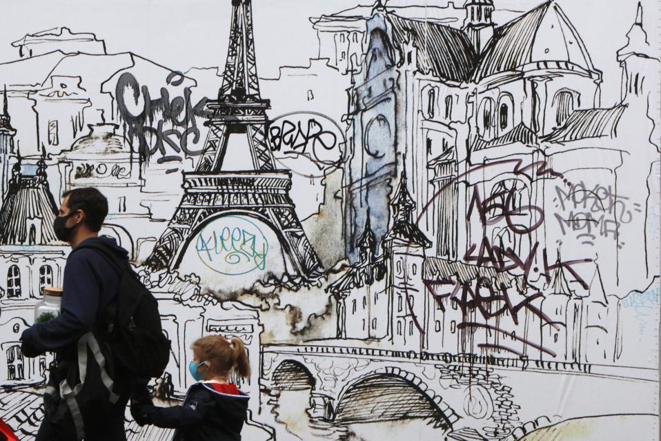 France mandatory coronavirus quarantine on arrival for travelers not Europeans