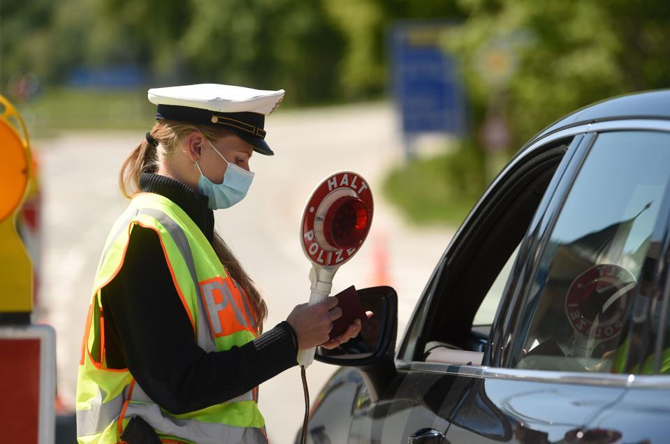 GERMANY-AUSTRIA-coronavirus-Borders reopen