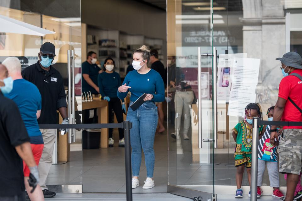 More Apple Stores Are Reopening This Week Here S Where You Can