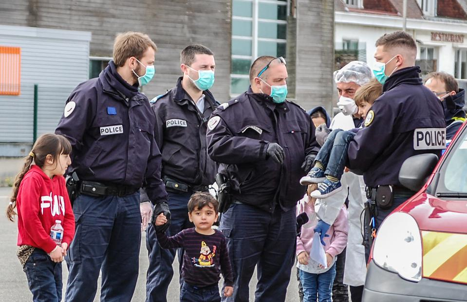 FRANCE-BRITAIN-HEALTH-VIRUS-MIGRATION-RESCUE