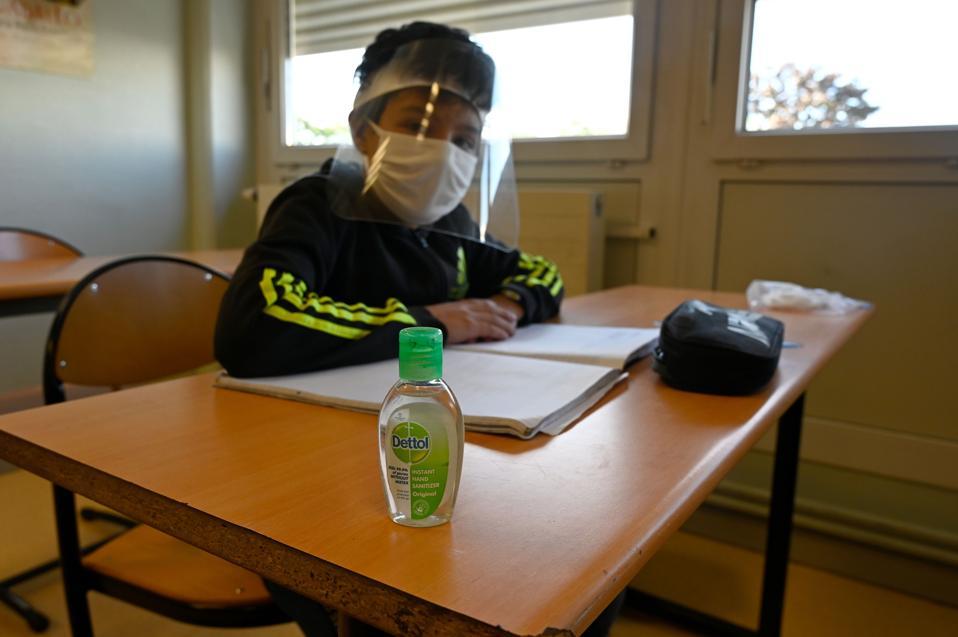 FRANCE-HEALTH-VIRUS-EDUCATION