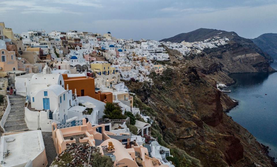 Greece Covid-19 tourism quarantine for US UK travelers not Australia China