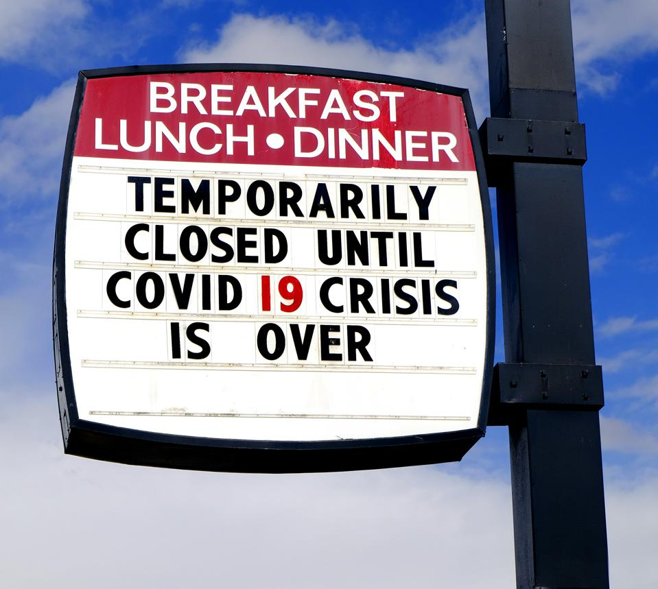Diner restaurant closed sign for Covid 19 crisis