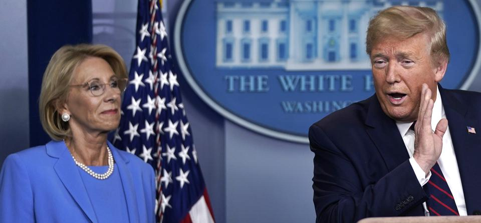 White House Coronavirus Task Force Holds Daily Briefing