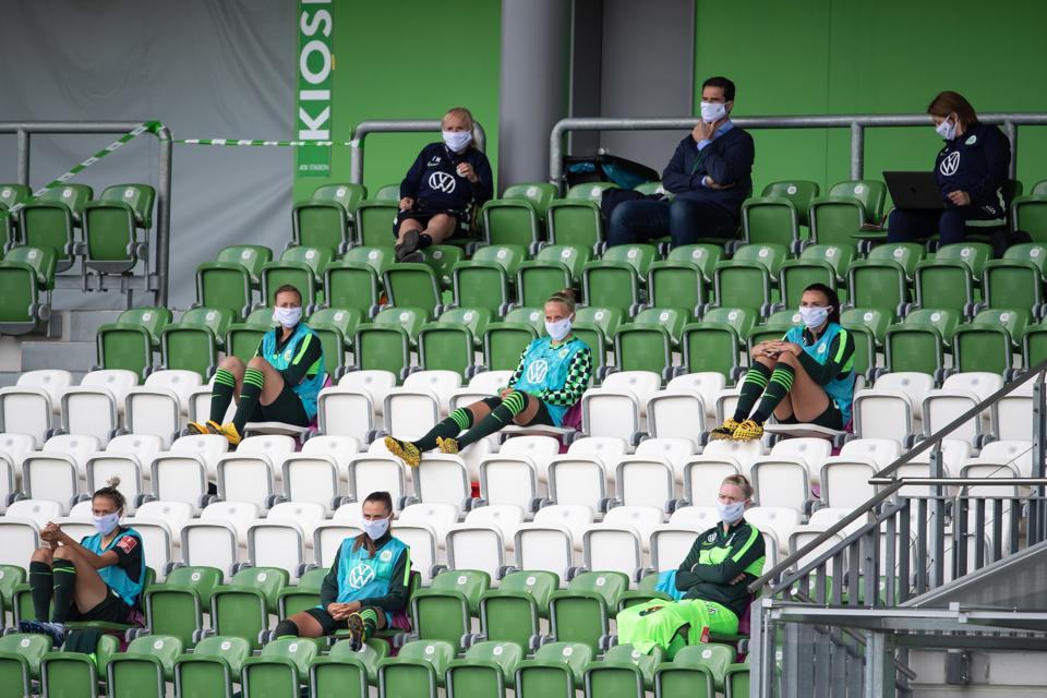 VfL Wolfsburg Women v 1. FC Koeln Women - Flyeralarm Frauen-Bundesliga