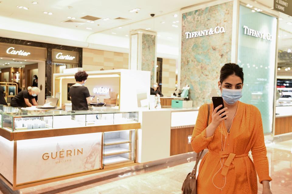 luxury spending lockdown