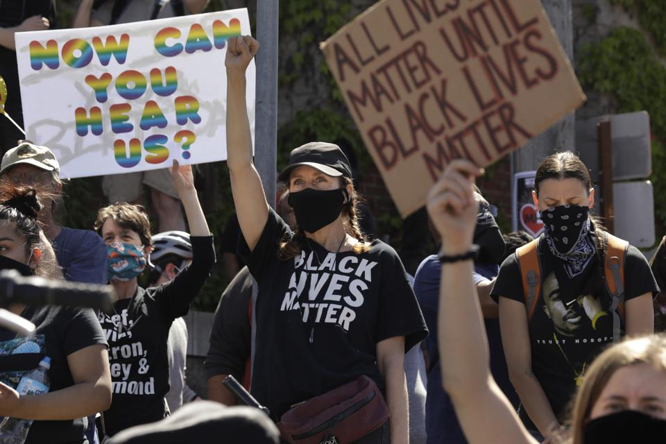 Protesters in Minneapolis, Minnesota Los Angeles Times photographer Carolyn Cole