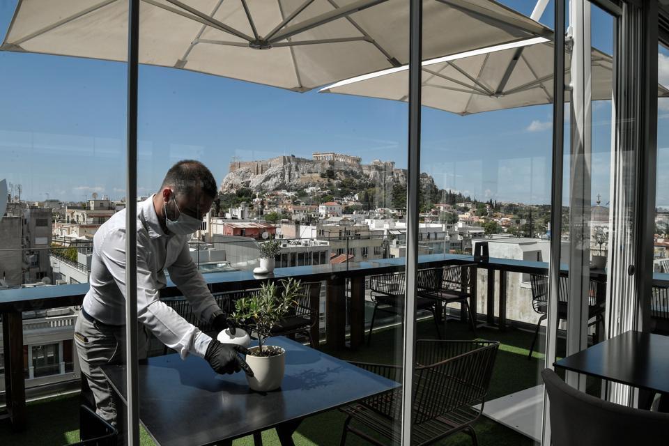 greece tourism comeback Qatar Airlines Covid-19 flight doha athens europe summer