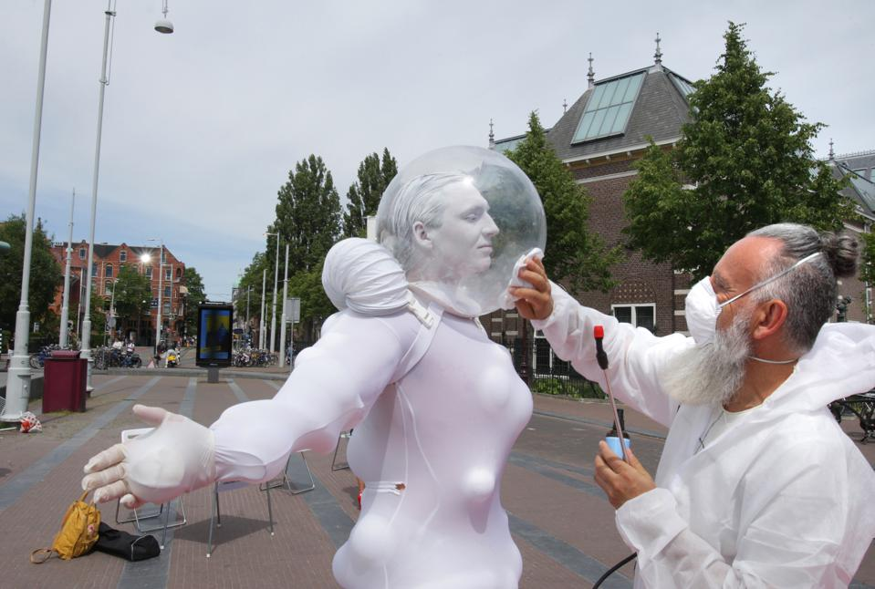 Performance In Time Of Social Distancing In Amsterdam