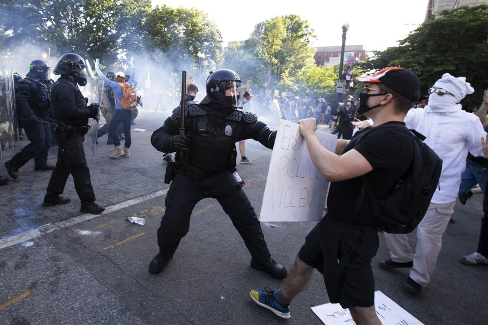 Protesters clash with police in Washington D.C.