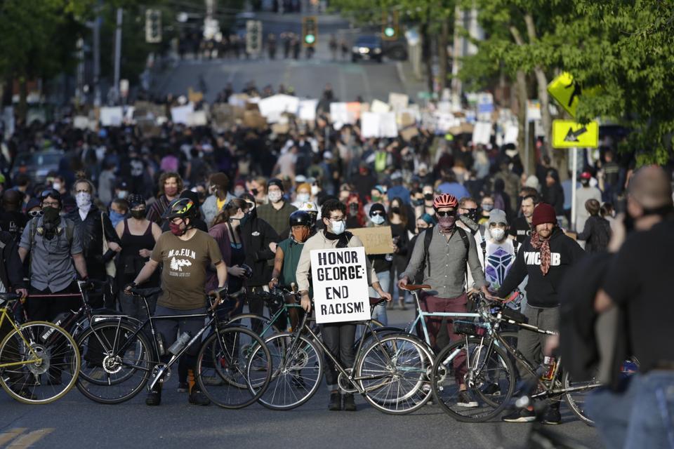 US-POLITICS-POLICE-RACE-UNREST-DEMONSTRATION