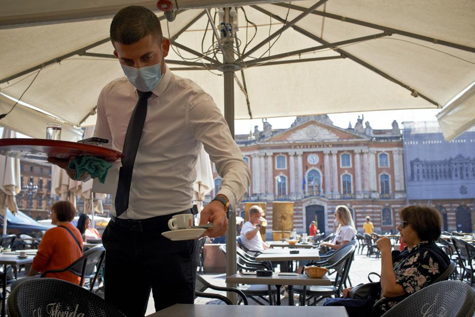Toulouse: Cafes And Restaurants Reopen For The First Time Since The Lockdown On March 14th