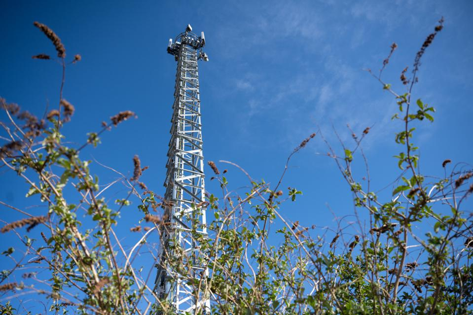 UK mobile operators ask people to stop setting 5G towers alight
