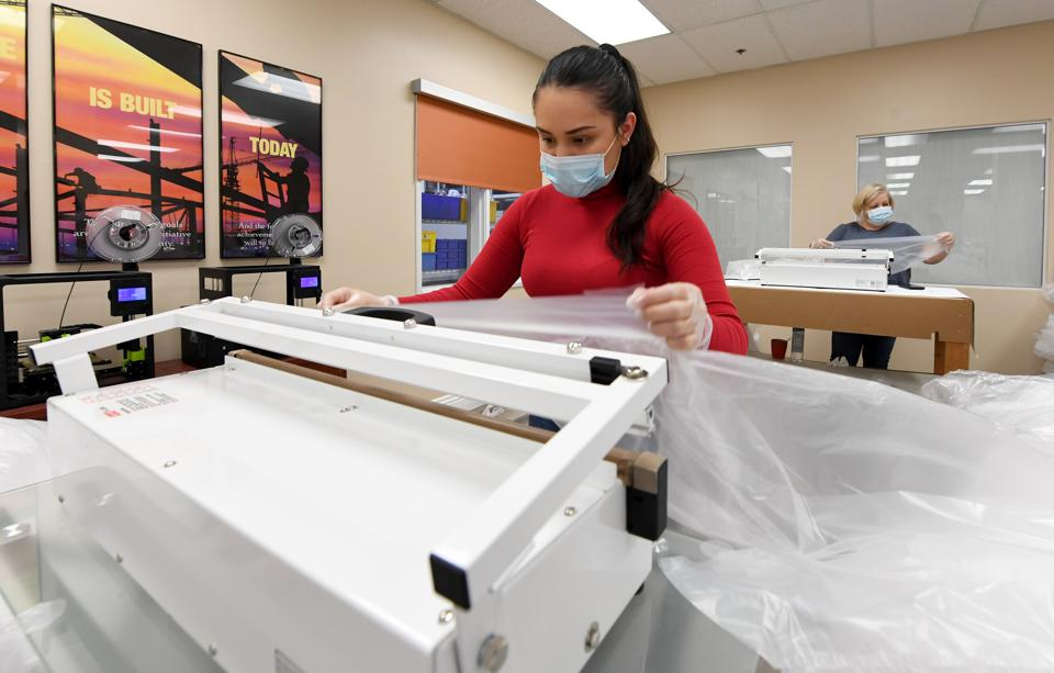 Las Vegas Business Converts From Window Coverings To PPE Production To Aid Coronavirus Effort
