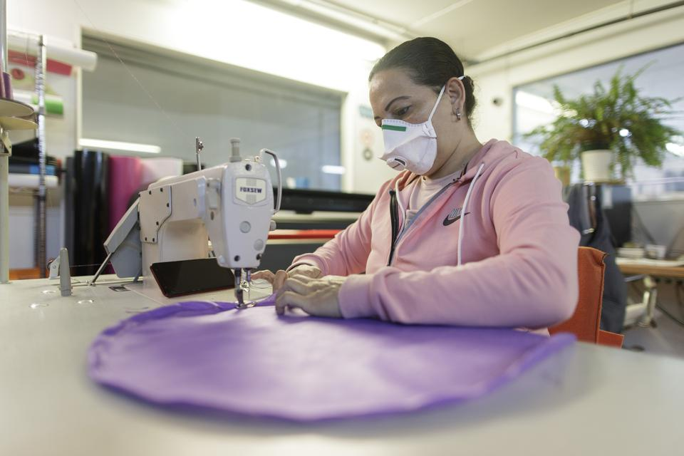 Manufacture Of Medical Gowns At Grupo Zon