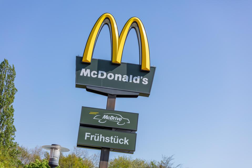 Would You Choose Restaurant Brands' Stock Over McDonald's?