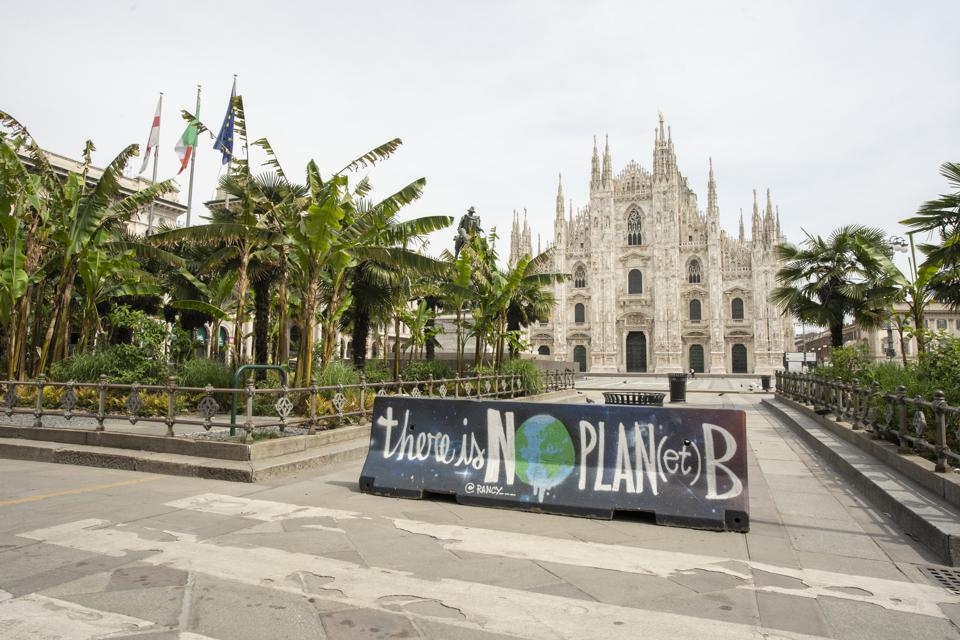 Milan limits cars introduces cycle lanes bicycles scooters environment