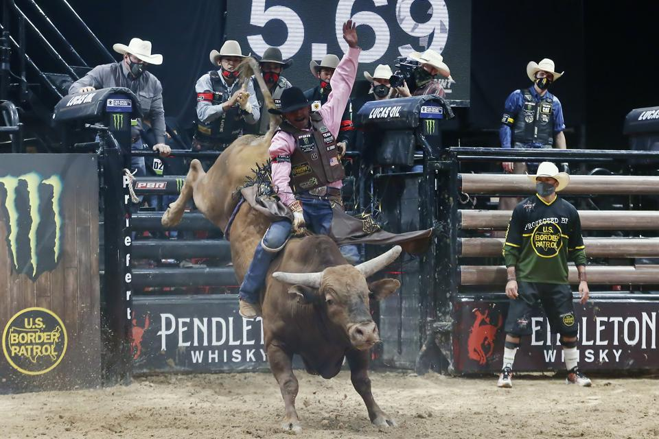 RODEO: JUN 19 PBR - Monster Energy Team Challenge
