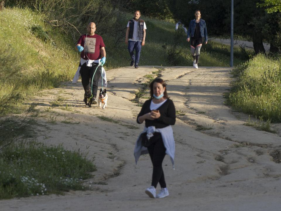 Crowd walking and jogging in Majadahonda, Madrid