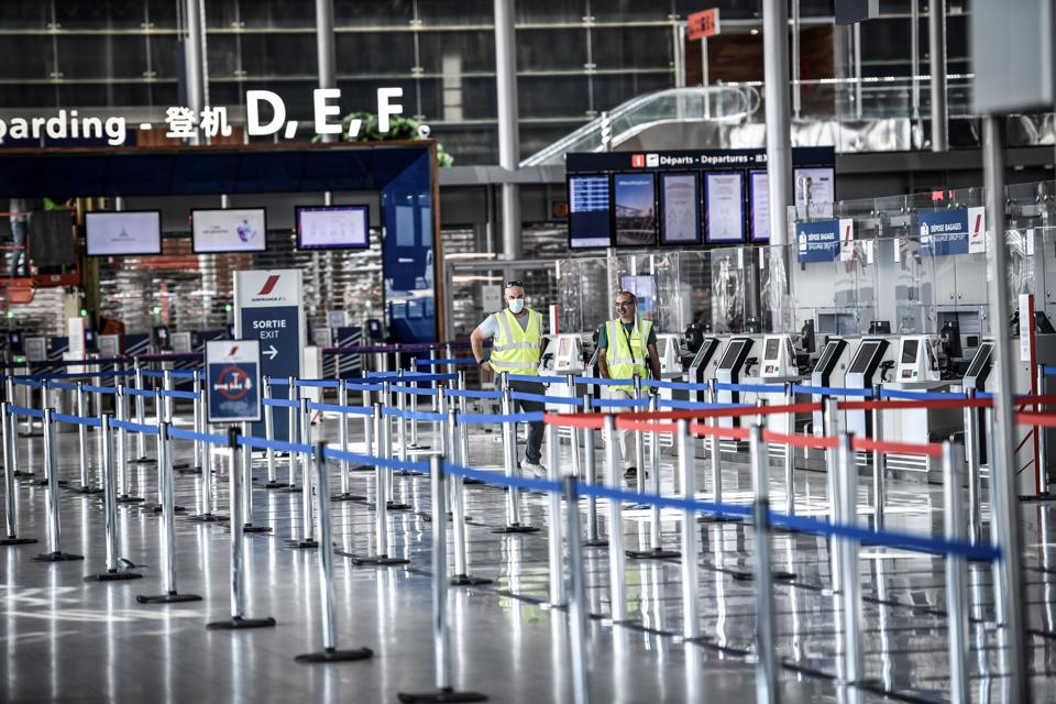 FRANCE-HEALTH-VIRUS-AIRPORT